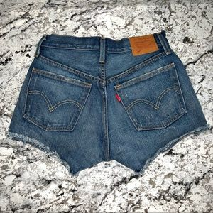 501 Levi's High Waisted shorts